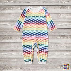 Pijama Full Love pentru bebe, cu multe inimioare colorate si maneca lunga