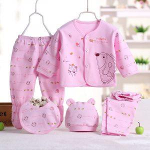 set din 5 piese pentru bebelusi format din bluza pantaloni caciula si baveta