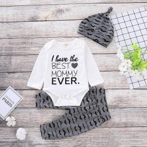 set best mommy pentru bebe pantaloni body caciula